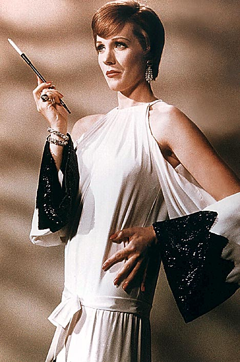 JULIE ANDREWS as Gertrude Lawrence in  STAR! 1969