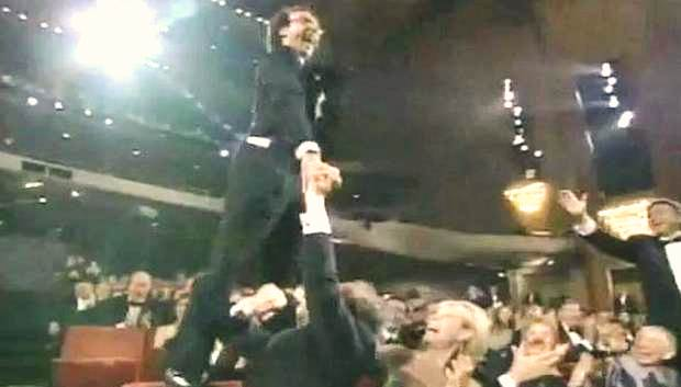 ROBERTO BENIGNI at the ACADEMY AWARDS CEREMONY  MARCH 21, 1999