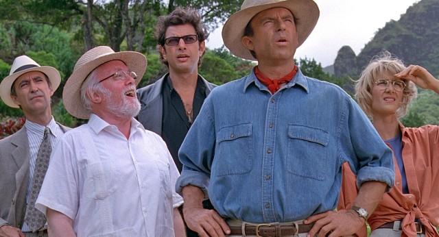 CAST LEFT TO RIGHT: MARTIN FERRERO  Born: 1947, SIR RICHARD ATTENBOROUGH  1923-2014 JEFF GOLDBLUM Born: 1952, SAM NEILL Born: 1947, LAURA DERN Born: 1967