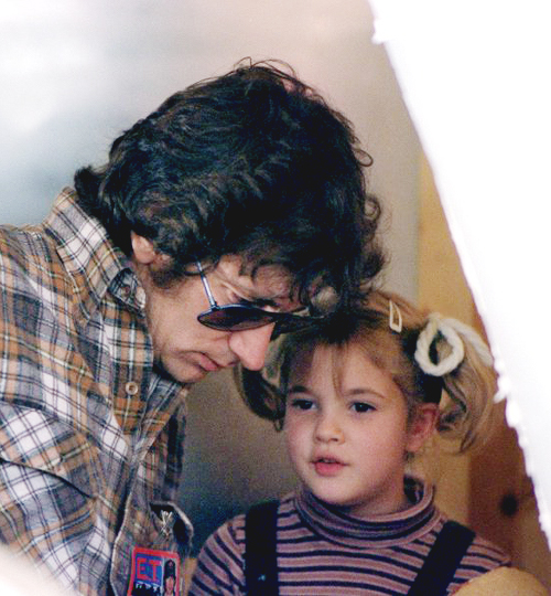 NOMINEE BEST DIRECTOR 1983 STEVEN SPIELBERG W/ DREW BARRYMORE  7 YEARS OLD