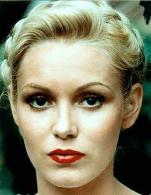 NOMINEE BEST SUPPORTING ACTRESS 1980 CATHY MORIARTY BORN: 1960 RAGING BULL