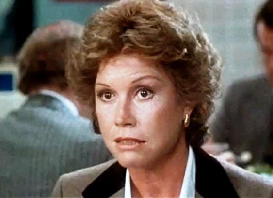 NOMINEE BEST ACTRESS 1980 MARY TYLER MOORE Born: 1936 ORDINARY PEOPLE