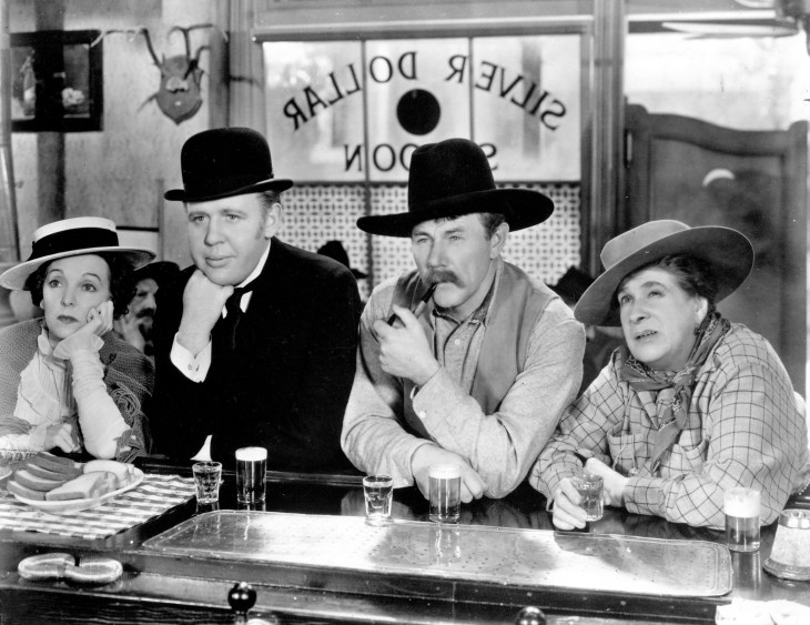 Zasu Pitts, Charles Laughton, Charles Ruggles and Maude Eburne in RUGGLES OF RED GAP (1935).