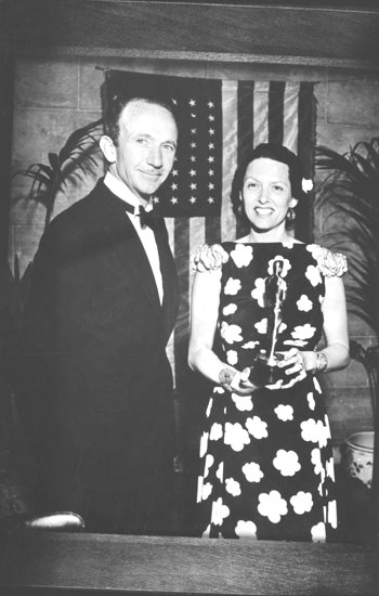 WALTER BRENNAN & GALE SONDERGAARD, BEST SUPPORTING ACTOR/ACTRESS 1936 DeOSCARIZED.