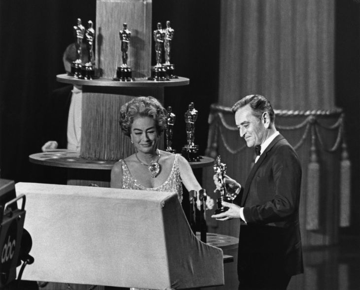 JOAN CRAWFORD ACCEPTS ACADEMY AWARD BEST ACTRESS 1962 FOR ANNE BANCROFT